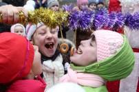 Новорічні подарунки у «Малятко» привезли лікувальні коні