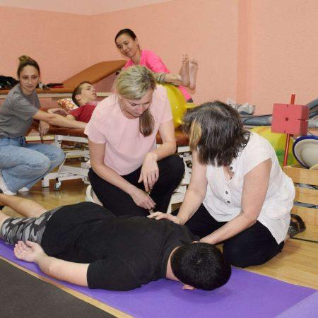 Санаторій Малятко - Цими днями на Закарпатті працювала фізіотерапевтка зі Швейцарії