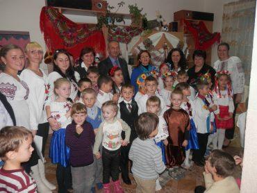 Діти санаторію  були нагороджені оплесками та подарунками